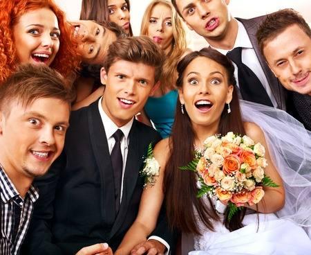 Hochzeitsbilder mit den Gästen der Hochzeit im Studio
