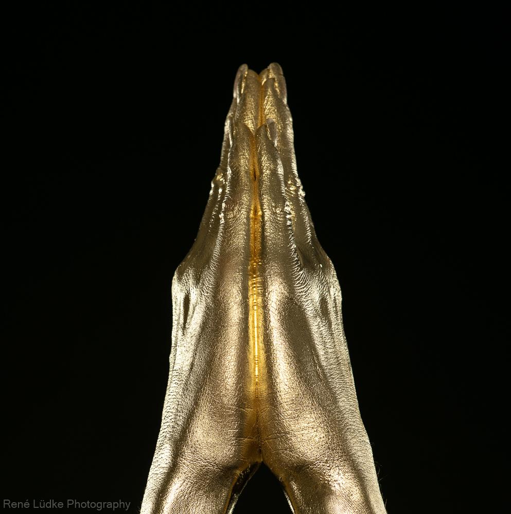 verneigung, goldene Hände, Buddha, Bodypainting